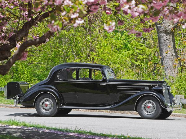 packard_twelve_5-passenger_coupe_1936_09-copie-1.jpg