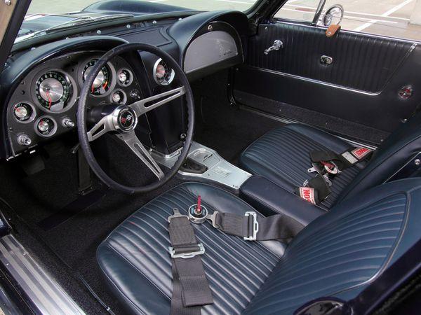 chevrolet_corvette_c2_sting-ray_z06_race_car_1963_-copie-2.jpg