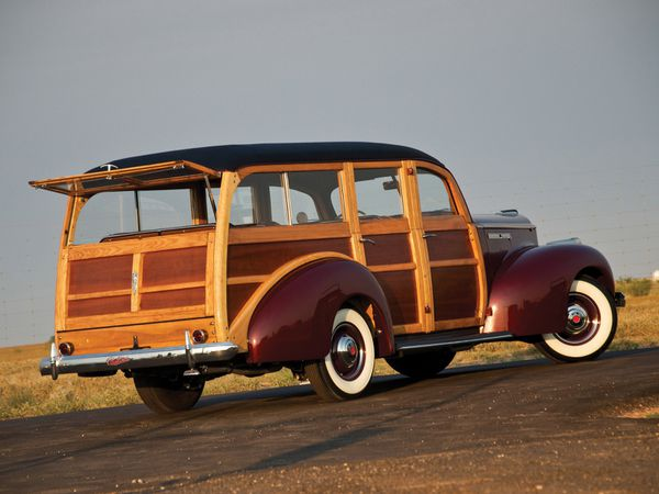 packard_110_woody_station_-wagon_1941_109.jpg