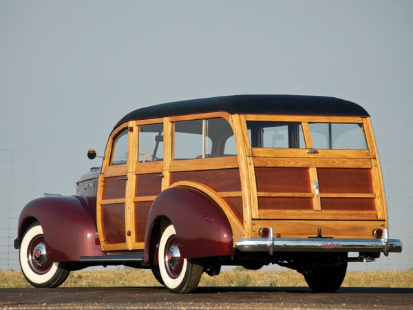 packard_110_woody_station_wagon_1941_103-copie-1.jpg