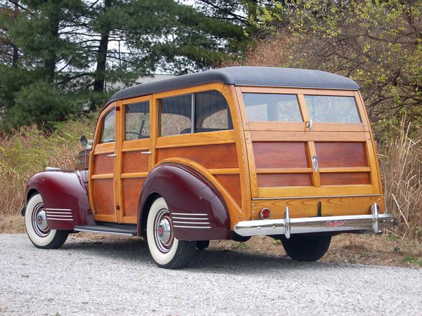 packard_110_woody_station_wagon_1941_107-copie-2.jpg