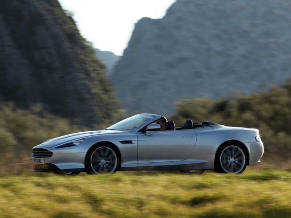 voitures de legende  96    aston martin virage volante