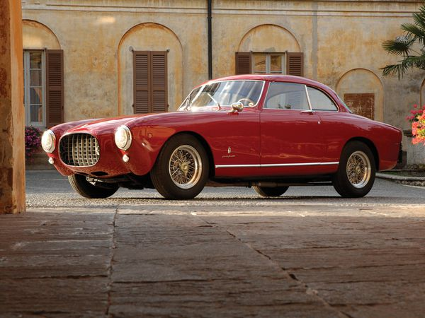 ferrari_212_inter_pinin_farina_coupe_1953_101-copie-1.jpg
