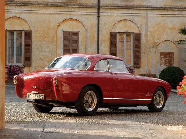 ferrari_212_inter_pinin_farina_coupe_1953_103-copie-1.jpg
