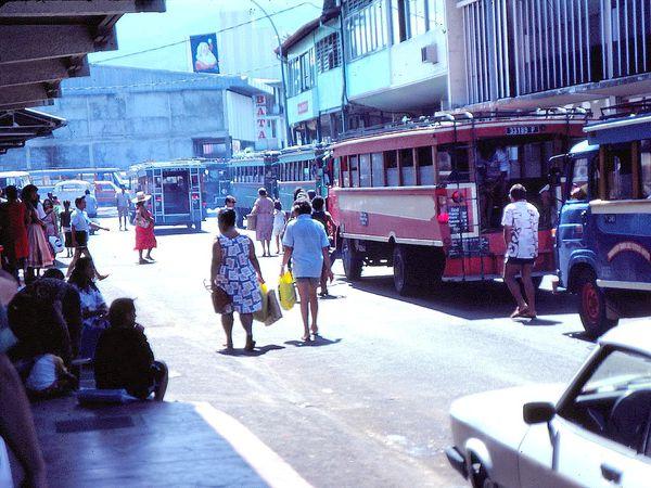 PAPEETE TAHITI Les Trucks 02 82