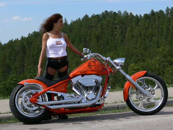 2012 girls on bikes brune 001 www.bigdogmotorcycles.com