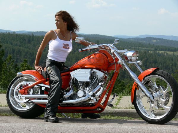 2012 girls on bikes brune 004 www.bigdogmotorcycles.com