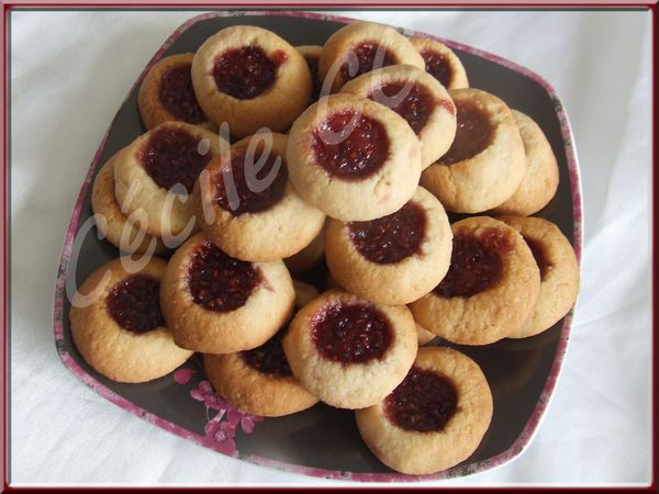 biscuit-fourres-confiture.jpg