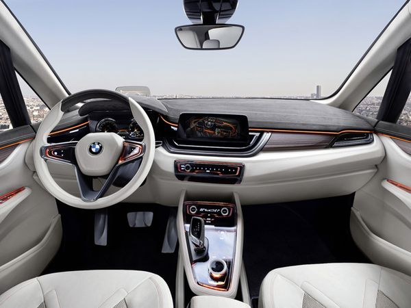 BMW Concept Active Tourer 05