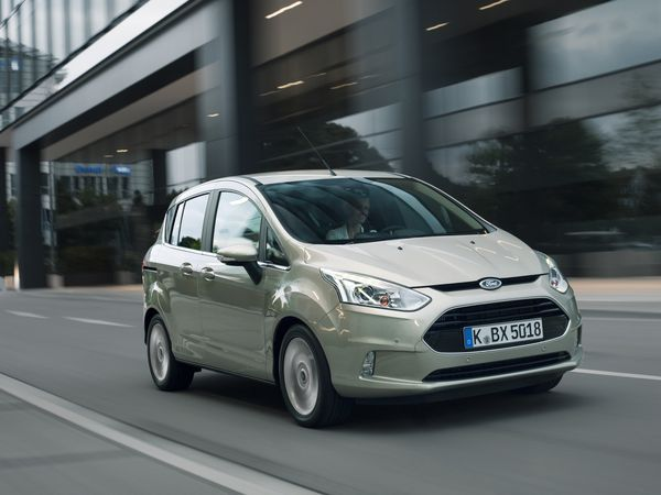 Ford-BMax-action3