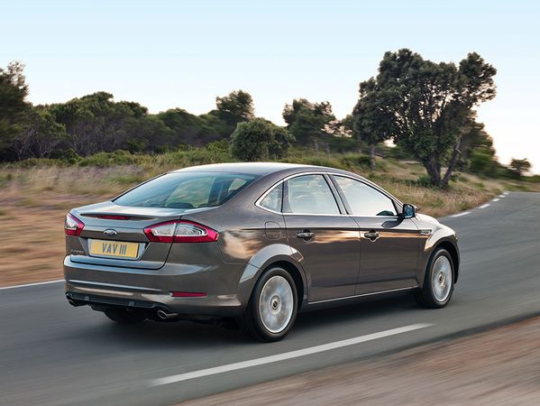 Mondeo-Action2
