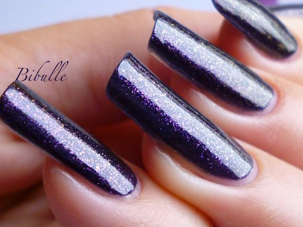 out-of-this-world-bibulle-vernis-ongles-suede-duochrome-fx-.JPG