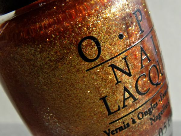 OPI-goldeneye-skyfall-collection-vernis-8.jpg