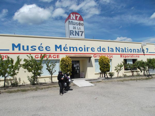 Musee-Memoire-de-la-Nationale-7-PASSION-MOTO.JPG