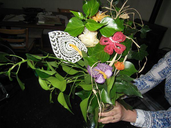 Bouquet de fleurs en dentelle offert pour 10 ans de for Bouquet de fleurs pour 30 ans