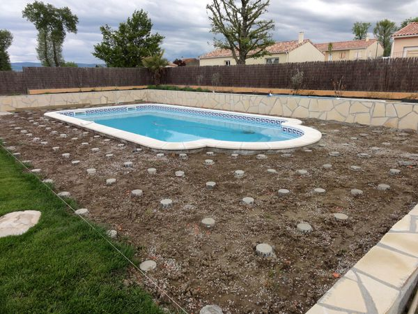 Faire terrasse beton amnagement exter with faire terrasse for Comparatif piscine coque ou beton