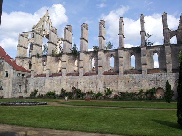Abbaye-Longpont--1-.jpg
