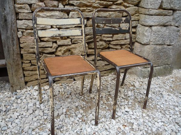 paire chaises metal lattes assise bois 2 chocolats 1950 mettetal industry design industriel. Black Bedroom Furniture Sets. Home Design Ideas