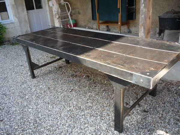 Tables mettetal industry design industriel du 20eme siecle for Table exterieur industriel