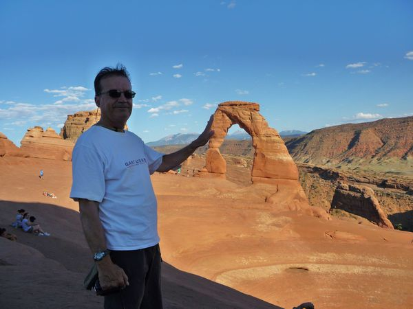 Jour 5 Norbert touche Delicate Arch