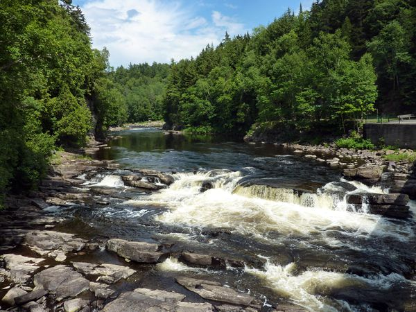Canyon-St-Anne-riviere.jpg