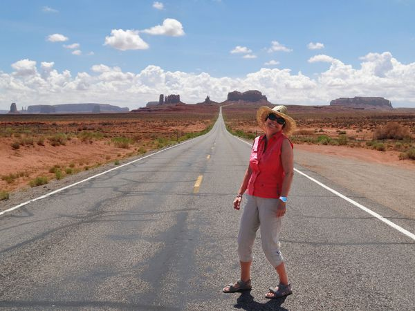 Route-vers-Monument-Valley-Martine-copie-1.jpg