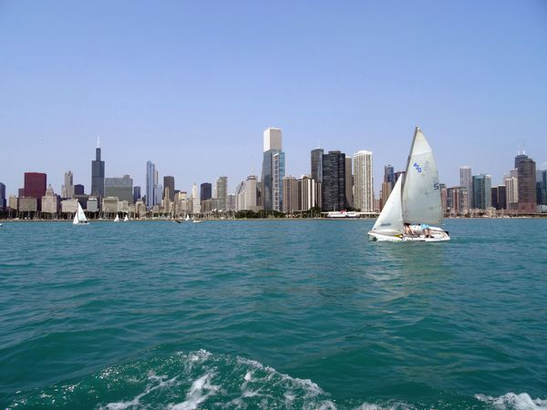 Chicago-Michigan-Lake-voilier-2.jpg