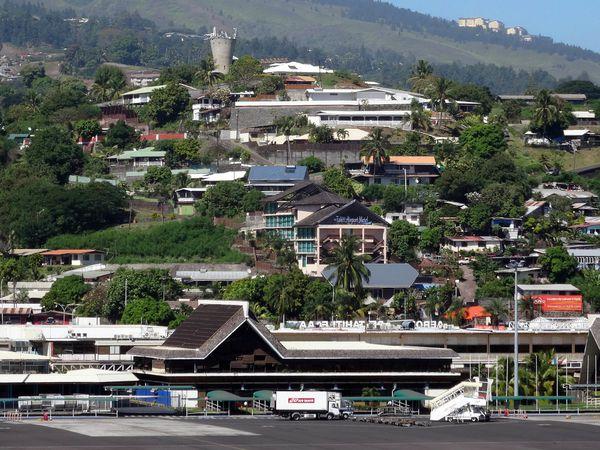 Papeete aéroport vu de la tour de contrôle
