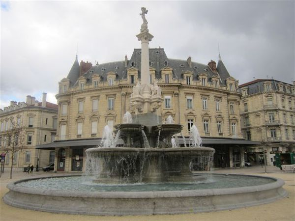 2013-01 0567-fontaine-valence