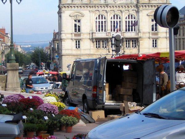 Jour de marché - Place du Champ (Copier)