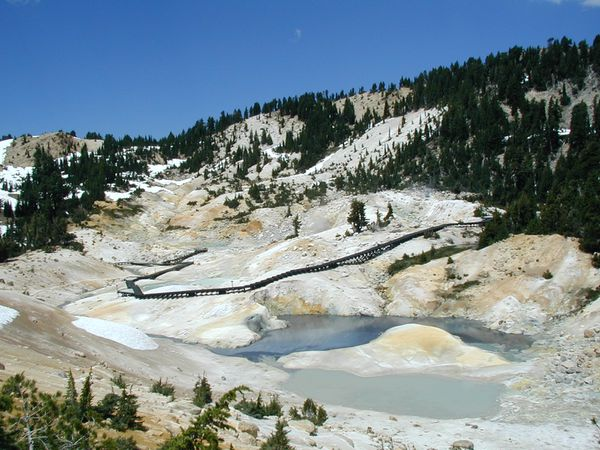 Lassen-Peak-hydroth.area---Bumpass-hell.jpg