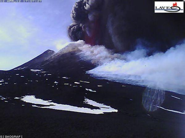 12.04.12-17h07-etna_img_webcam1.jpg