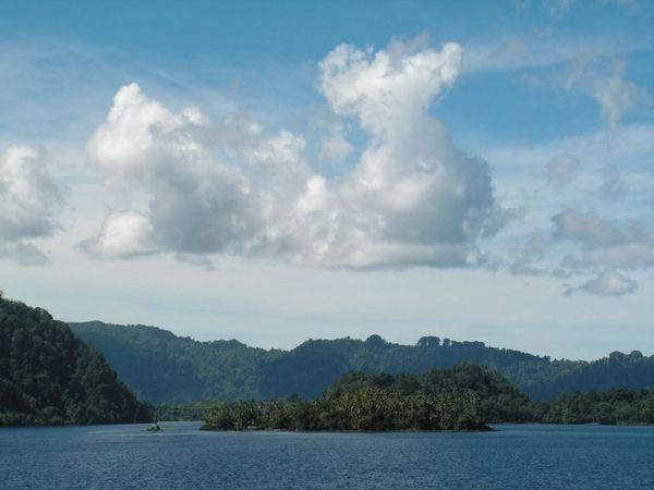 Iles-Banda---east-indonesia.jpg