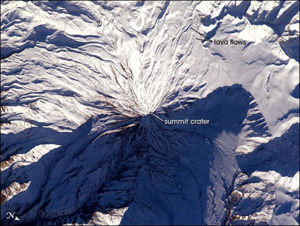 Damavand_from_space.jpg