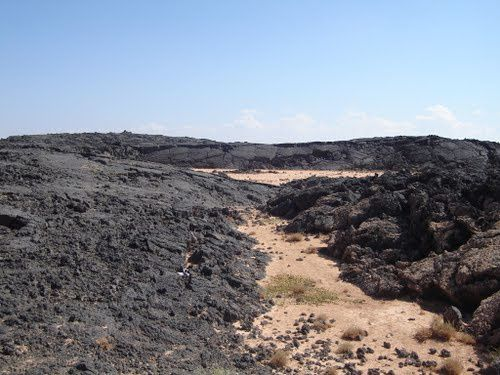 Es-Safa-lava-filed---Dionysias---Panoramio.jpg