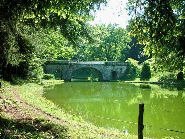 Marcolès, château du Poux