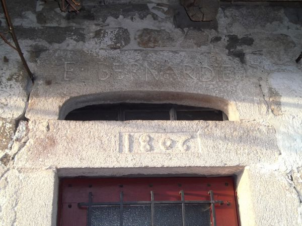 Linteau 1806