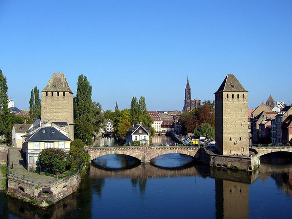 800px-Absolute_ponts_couverts_02.jpg