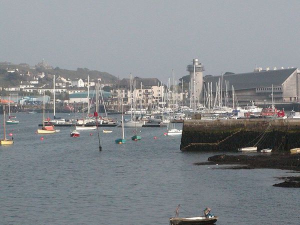 800px-Falmouth_Cornwall_Harbour.jpg