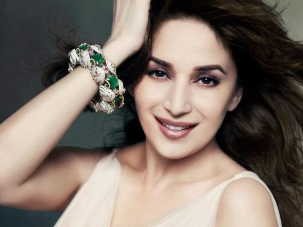 Madhuri-Dixit-Nene-pour-Emeralds-For-Elephants-5.jpg