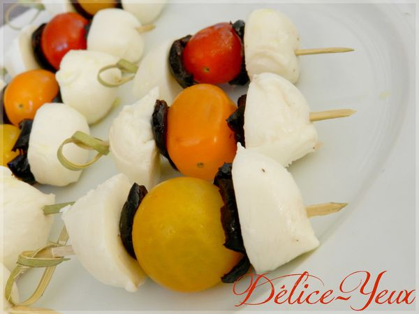 Brochettes tomates mozza olives2