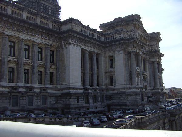 palais de justice arrière