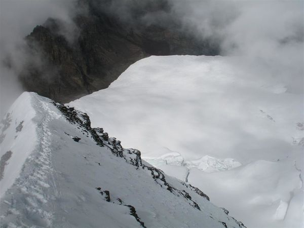 Condoriri-summit-ridge-at-5500-m-1.jpg