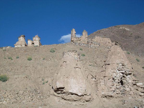 Trek Emis stupa