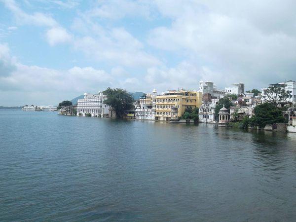 Udaipur, vue du lac