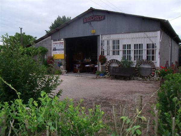 brocante juillet 2011 005