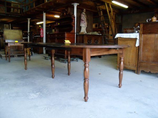 table-6-pieds-en-noyer-001.jpg