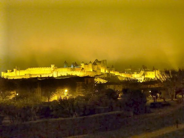 2-formation-marche-nordique-carcassonne-by-night.jpg