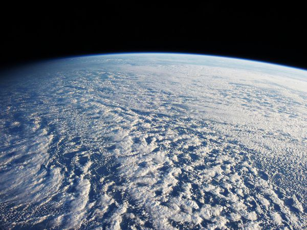 ISS---Terre---Atmosphere---Nuages---ISS034E016601.jpg
