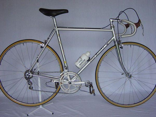 R velo Merckx 82